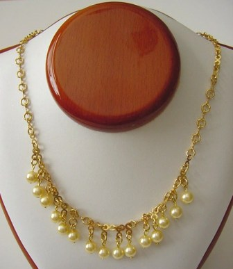 Gold Chain & Pearl Necklace Item #N057