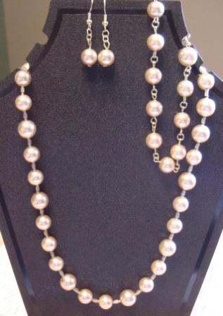 Faux Pearl Glass Beaded Necklace, Bracelet, and Earrings Set Item #NBEs003