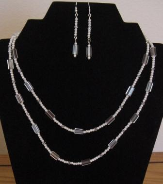 Crystal & Pearl Necklace & Earrings Set Item #NEs001